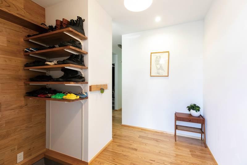家の真ん中にクローゼットを シンプルな暮らしが叶う家 画像13枚目