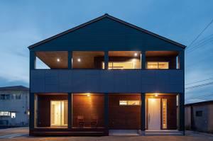 機能性とデザイン性が両立したシンプルモダンな家 画像1枚目