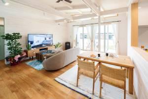 カリフォルニアの風を感じる平屋 自分らしく育てる、DIY仕様の家 画像6枚目
