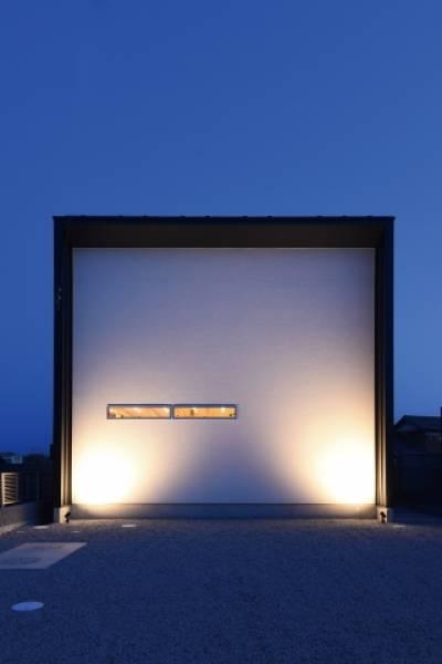 時間の流れをゆるやかに変えたシンプルデザインの上質な住空間。