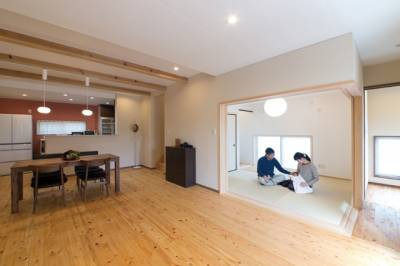 動線や質感まで厳選した家は、暮らすほどに馴染んでいく。
