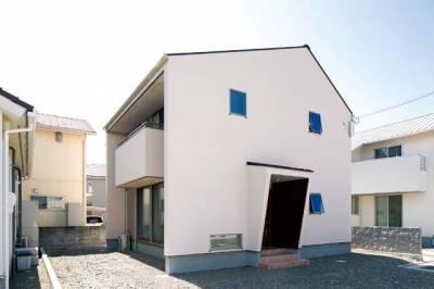 明るく楽しく暮らす シンプルデザインの家