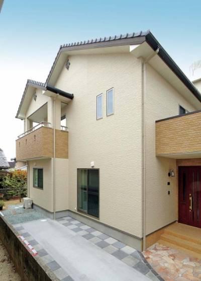 南向きの利点を最大限に生かした 生活しやすいジャストサイズの家