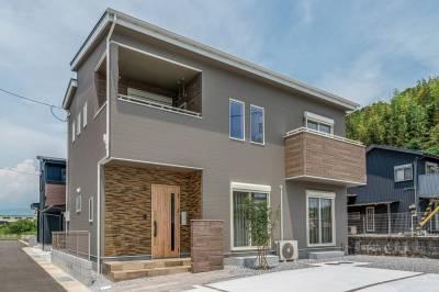 地震に強い先進技術と自由度の高い設計で 安心と理想の家づくりを実現 画像1枚目